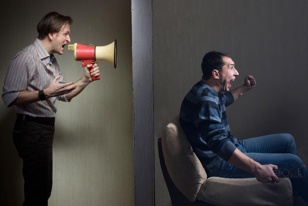 hluk v dome